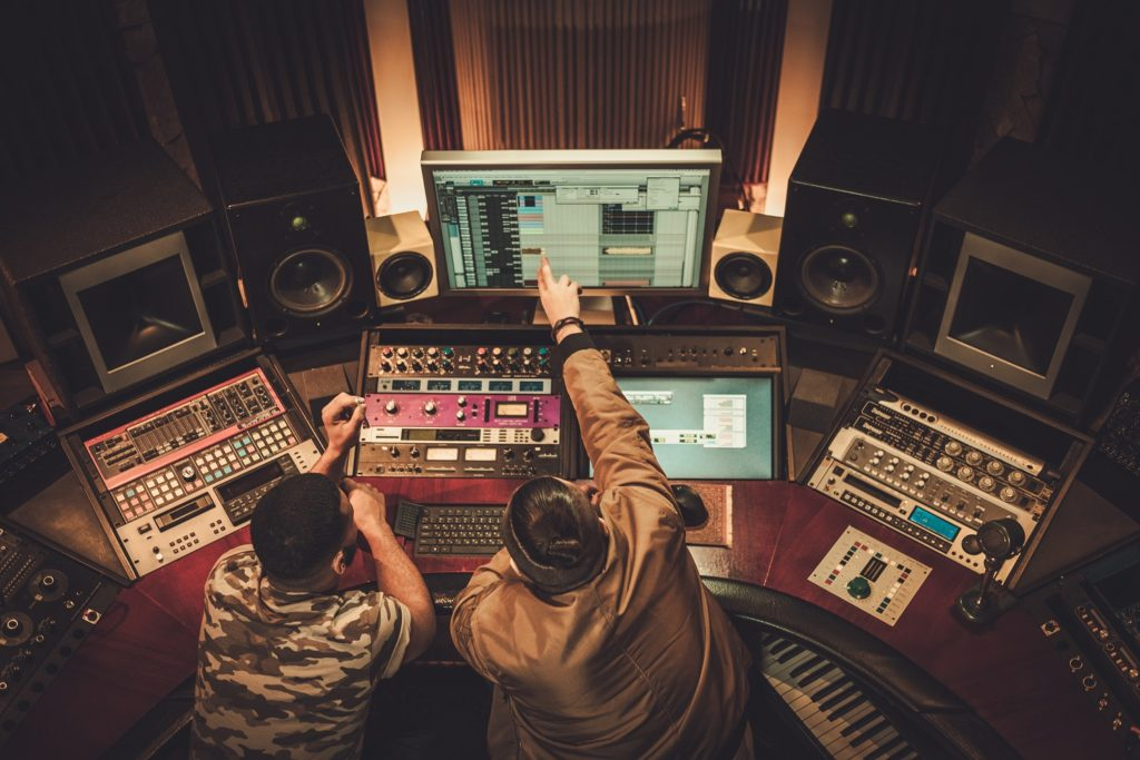 Sound-engineer-audio-mixing-services-1024x683